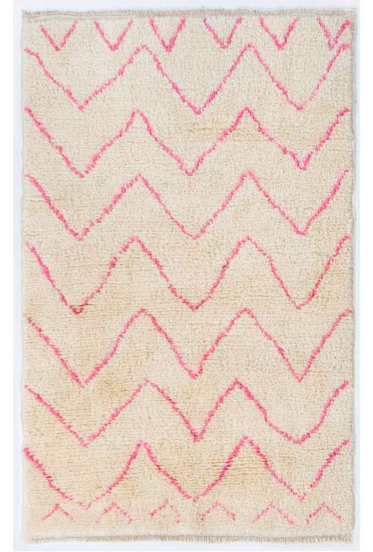 Ivory color MOROCCAN Berber Beni Ourain Design Rug with Pink patterns, HANDMADE, 100% Wool